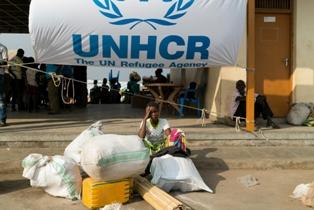 UNHCR: OLTRE 1.000 RIFUGIATI EVACUATI DALLA LIBIA A NOVEMBRE