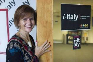 """A LETIZIA AIROS IL PREMIO INTERNAZIONALE DI GIORNALISMO """"GAETANO SCARDOCCHIA"""