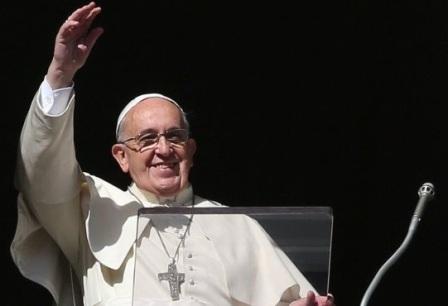 FRANCESCO: DIO È SEMPRE AL NOSTRO FIANCO