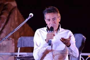 """LA POESIA DI GIUSEPPE ALETTI IN MAROCCO: PUBBLICATA IN ARABO LA RACCOLTA """"I DECADUTI"""""""