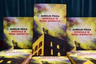 """""""ARSENALE DI ROMA DISTRUTTA"""": AURELIO PICCA PRESENTA IL SUO LIBRO A MONACO DI BAVIERA"""