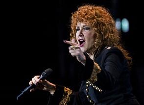 """""""UN, DUE, TRE...FIORELLA!"""": SU RAI ITALIA LA MUSICA È DI SCENA"""