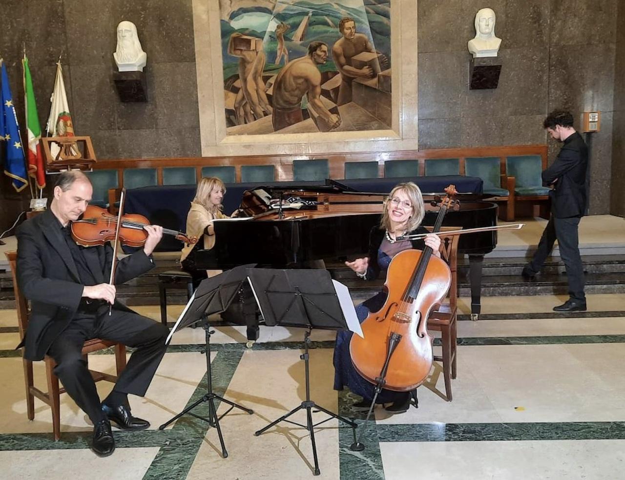 """""""E quindi uscimmo a riveder le stelle"""": la musica e l'ispirazione di Dante Alighieri per UmbriaEnsemble e l'IIC di Montreal"""