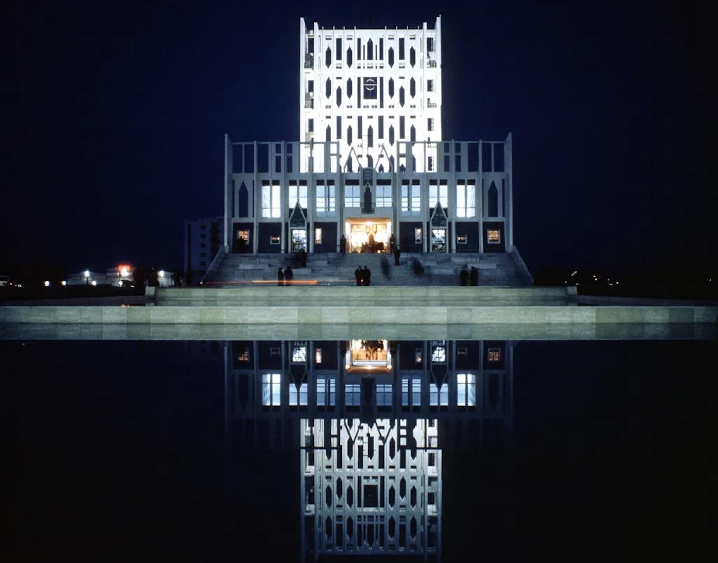 Scrivere al passato: compie 50 anni la Concattedrale Gran Madre di Dio di Taranto progettata da Gio Ponti