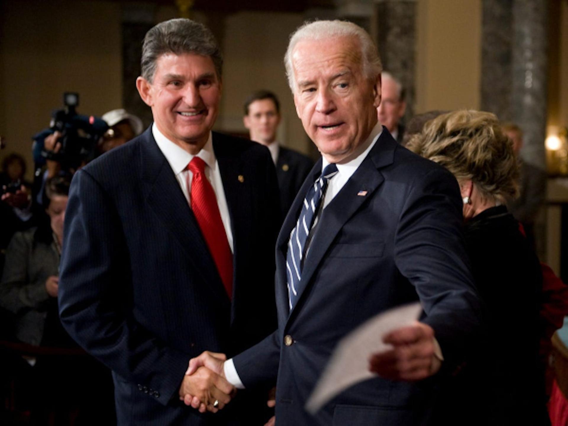 Il conservatore Manchin: ponte di Biden al Senato coi repubblicani? - di Domenico Maceri