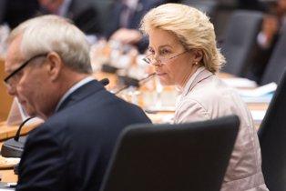 CHIUSE LE AUDIZIONI: IL 27 NOVEMBRE IL PE VOTERÀ LA NUOVA COMMISSIONE UE