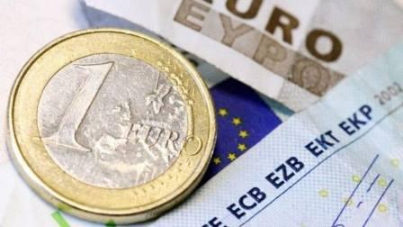 AGLI EUROPEI PIACE L'EURO, AGLI ITALIANI MENO