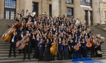 LA YOUNG MUSICIANS EUROPEAN ORCHESTRA IN CONCERTO IN ROMAGNA CON DEDICA SPECIALE AL PERSONALE SANITARIO