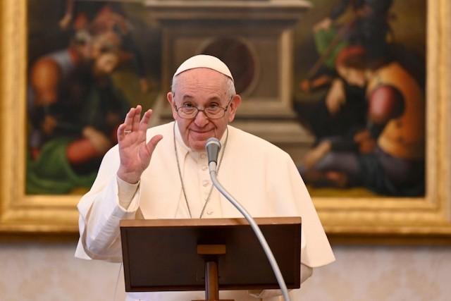 Papa Francesco: Dio chiama alla vita