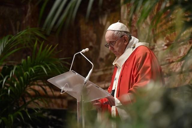 Papa Francesco: lasciamoci stupire da Gesù