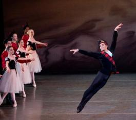 "UN ITALIANO AL ""NEW YORK CITY BALLET"": DAVIDE RICCARDO TORNA NELLA ""SUA"" MESSINA"