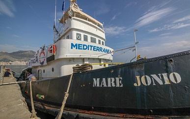 L'UNHCR RINGRAZIA L'ITALIA PER LO SBARCO DELLA MARE JONIO E RINNOVA L'APPELLO PER UNA MAGGIORE SOLIDARIETÀ EUROPEA
