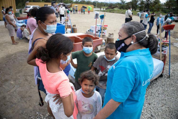1,5 milioni di bambini a rischio in America Centrale: l'allarme dell'UNICEF dopo gli uragani Eta e Iota