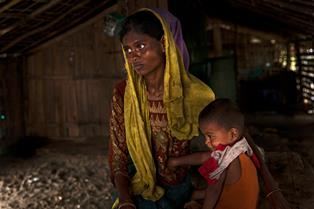 UNICEF: 100 TONNELLATE DI AIUTI D'EMERGENZA PER 250 MILA BAMBINI RIFUGIATI ROHINGYA ARRIVATI IN BANGLADESH