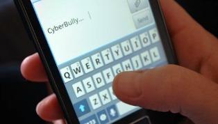 Cyberbullismo: al via 3 corsi di formazione per docenti di UNICEF Italia