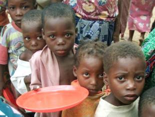 """""""IL VIRUS DELLA FAME"""": 121 MILIONI DI PERSONE IN PIÙ NEL 2020 SENZA CIBO"""