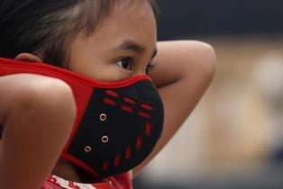 UNICEF: 10 MILIONI DI BAMBINI A RISCHIO INQUINAMENTO IN INDONESIA A CAUSA DI INCENDI