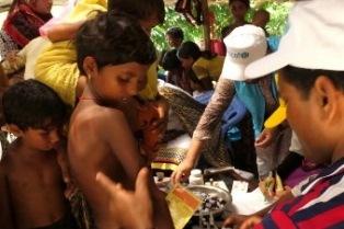 UNICEF-OMS: IL BANGLADESH SI MUOVE PER PROTEGGERE 255MILA BAMBINI ROHINGYA DALLA DIFTERITE E DA ALTRE MALATTIE