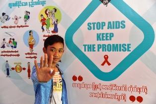 ALLARME UNICEF: OGNI TRE MINUTI UN'ADOLESCENTE VIENE CONTAGIATA DALL'HIV