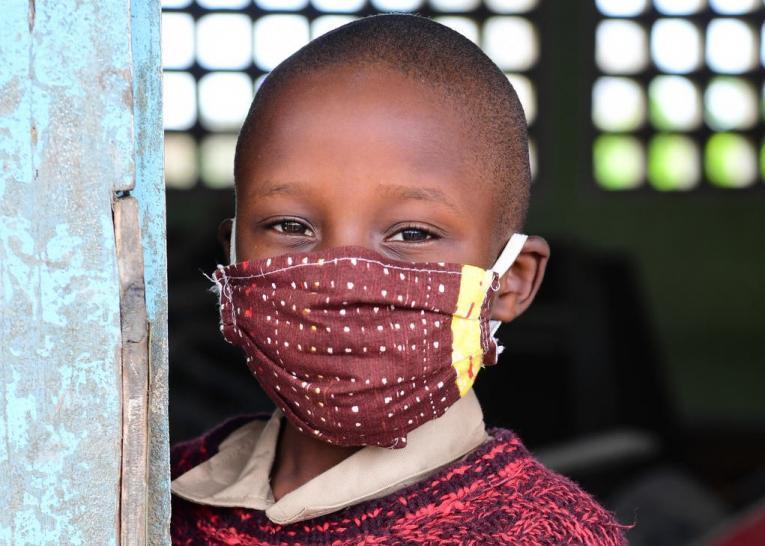 Nuovo Rapporto UNICEF: prima del COVID-19 1 paese su 8 spendeva più in debito che in istruzione, salute e protezione sociale