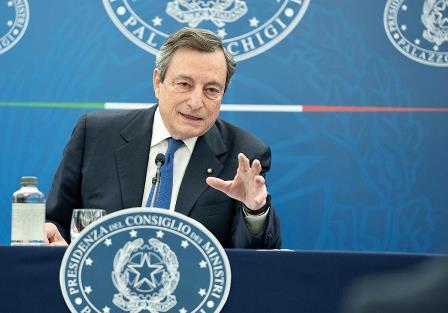 Draghi: sulle vaccinazioni gli obiettivi saranno raggiunti