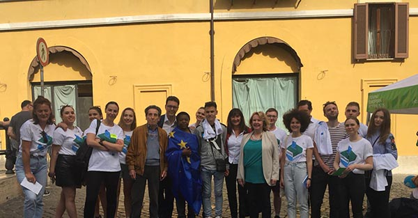 UN FLASH MOB A FAVORE DELL'EUROPA: LA NEWSLETTER DI LAURA GARAVINI (PD)