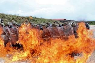 KOSOVO: ESERCITAZIONE MULTINAZIONALE PER IL CONTROLLO DELLA FOLLA
