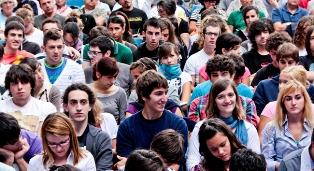 I GIOVANI ITALIANI TRA VOGLIA DI PROTAGONISMO E DISILLUSIONE