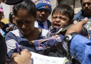 UNICEF: I BAMBINI DEVONO RESTARE ACCANTO AI GENITORI