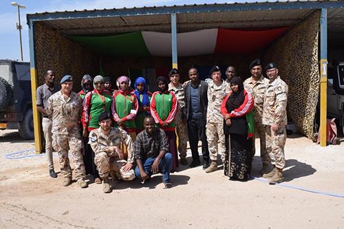 COOPERAZIONE/ EUTM SOMALIA: IL CONTINGENTE ITALIANO DONA MATERIALE ALLE LOCALI SQUADRE FEMMINILI DI BASKET