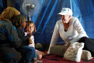 LA GOODWILL AMBASSADOR DELL'UNICEF VANESSA REDGRAVE INCONTRA BAMBINI E GIOVANI IN LIBANO