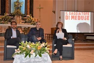 """""""IL CACCIATORE DI MEDUSE"""": UN LIBRO SUL DRAMMA DEI MINORI MIGRANTI"""