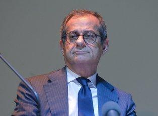 """TRIA: """"LA FUGA DI CERVELLI ALL'ESTERO CI COSTA 14 MILIARDI DI EURO"""" – di Marzio Pelu"""