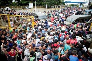 IN MESSICO OLTRE 2 MILA BAMBINI CON LA CAROVANA DEI MIGRANTI: L'ALLARME UNICEF