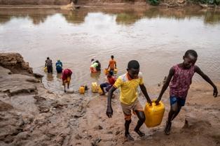 UNICEF/OMS: 1 PERSONA SU 3 NEL MONDO NON HA ACCESSO AD ACQUA SICURA DA BERE