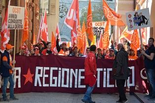 """SALARIO MINIMO IN TICINO/ UNIA: UN """"COMPROMESSO"""" CHE SPALANCA LE PORTE AL DUMPING SALARIALE DI STATO"""