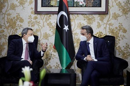Incontro fuori programma Draghi - Mitsotakis a Tripoli