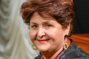 #IONONRINUNCIOALLETRADIZIONI/ L'APPELLO DEL MINISTRO BELLANOVA ALLA GDO: NEI NEGOZI I PRODOTTI DELLA TRADIZIONE PASQUALE