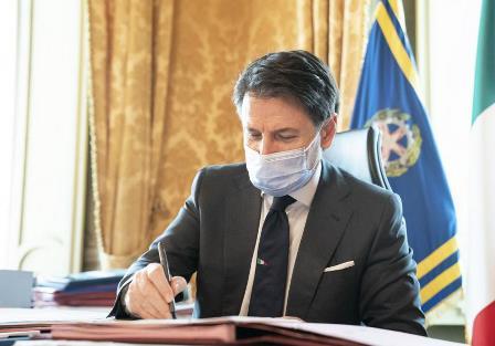 Coronavirus: il nuovo Dpcm firmato da Conte