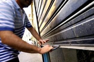AZIENDA-ITALIA: DIMINUISCONO LE CHIUSURE MA IL SALDO RESTA NEGATIVO