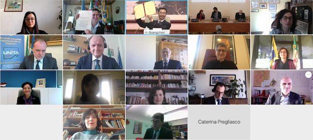 La console Pasqualini in video conferenza per l'accordo tra sindaco di Torino e sindaco di Guangzhou