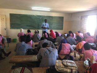 """Senegal: 9 giovani su 10 vogliono emigrare ma non sanno come fare/ Parte il progetto di Sophia """"Educare Senza Confini""""."""