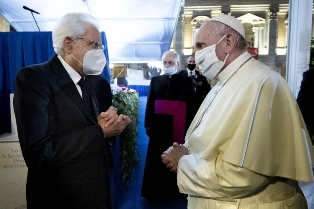 Papa Francesco compie 84 anni: gli auguri del presidente Mattarella