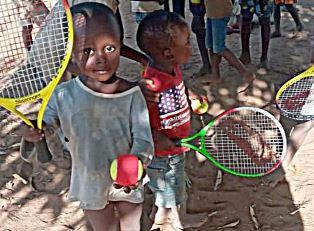 Dalla Calabria al Kenya portando tennis e gioia - di Freddie del Curatolo