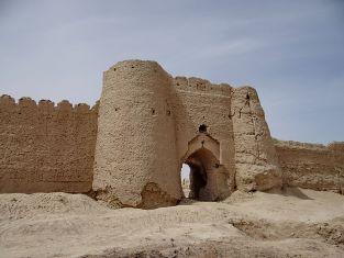 """""""Scavi e ricerche a Shahr-i Sokhta"""": l'ambasciatore Perrone alla presentazione del volume sugli scavi nel sito iraniano"""