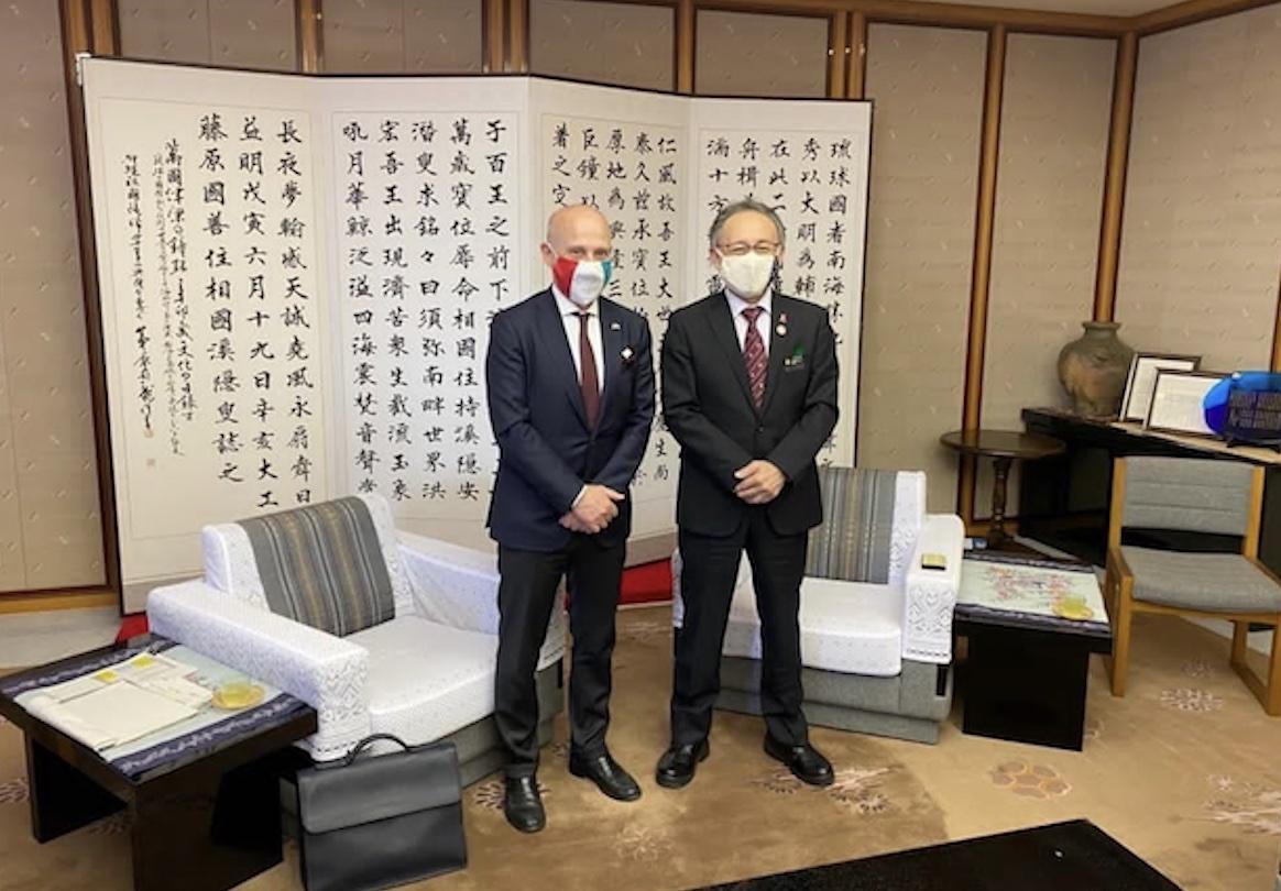 Tokyo: l'ambasciatore Starace in missione a Okinawa