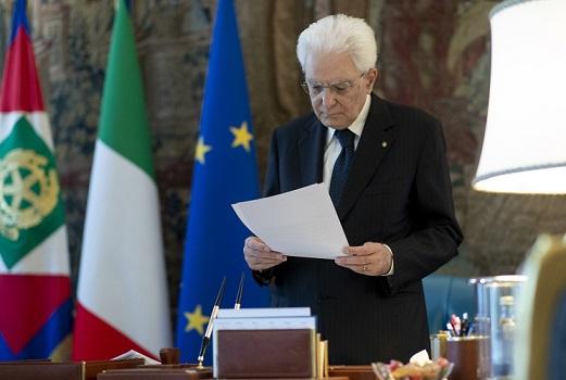 """Onorificenze: gli """"esempi civili"""" insigniti da Mattarella"""
