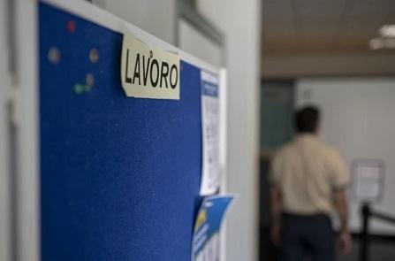 DISOCCUPAZIONE E PANDEMIA: IL COVID LASCIA A CASA 4