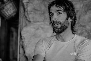 L'alpinista italiano che guarda all'Africa: Hervé Barmasse nuovo testimonial di Amref