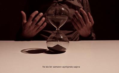 """ISTANBUL: LA PERFORMANCE """"TIME"""" DELLA COMPAGNIA INSTABILI VAGANTI ANCORA ON LINE CON L"""